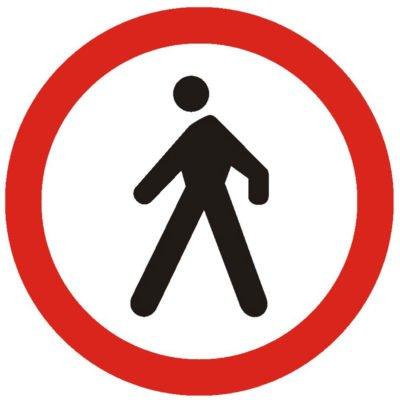 Indicator rutier interzicere sau restrictie Accesul interzis pietonilorC10